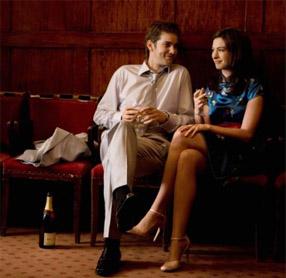 one-day-movie-photo-jim-sturgess-Anne-Hathaway-550x366.jpg